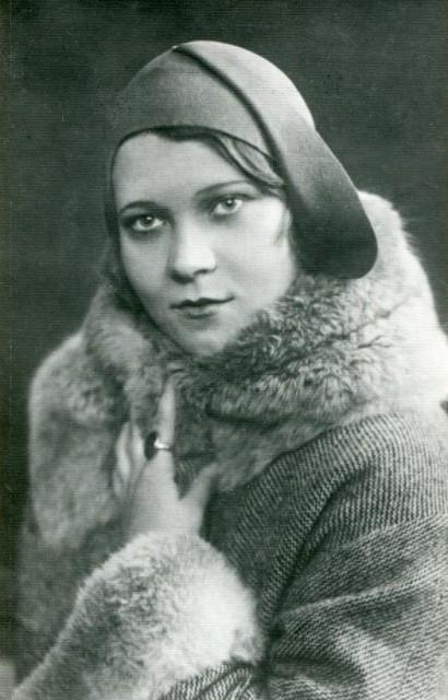 Клавдія Шульженко. Харків. 1928 р.
