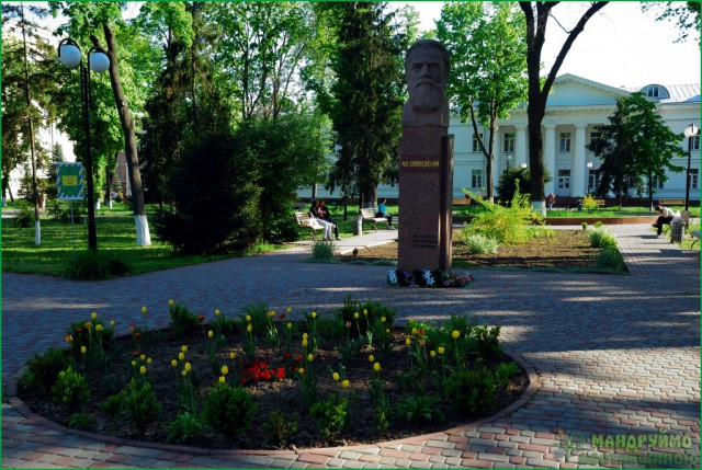 пам'ятник Скліфосовському