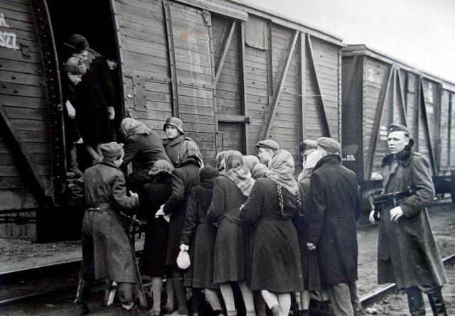 Відправлення до Німеччини, 1942 рік
