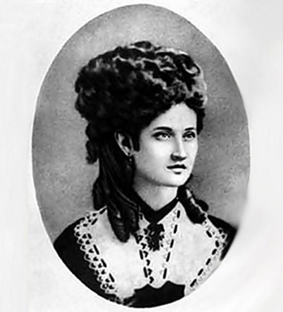 Софія Окуневська